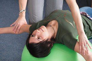 chiro-traitement-exercice-etirement-renforcement-proprioception